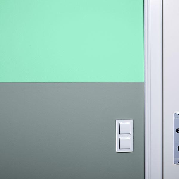 Zweifarbige Wände: Saubere Farbkanten anfertigen