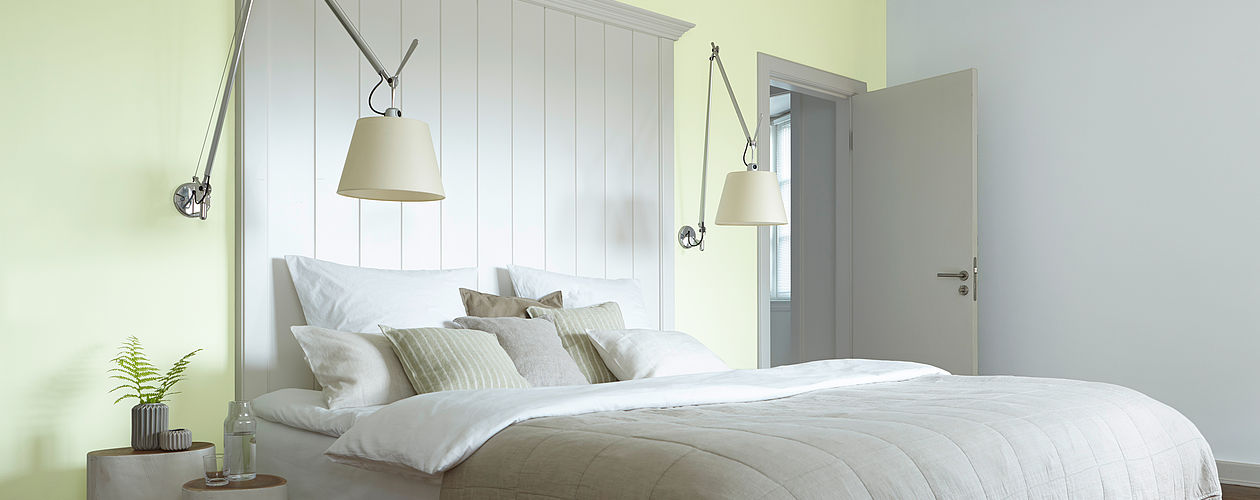 Grüntöne schaffen ein Gefühl von Balance und Entspannung – perfekt für das erste gemeinsame Zuhause.